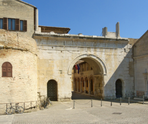 Arco di Augusto Fano